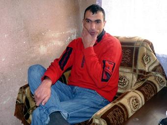 Артур Бадалян, попавший в плен в мае 2009 года и возвращенный на родину спустя почти 2 года.