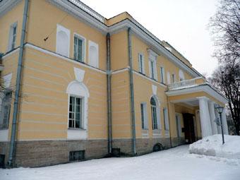 По проектам Таманяна построены здания не только в Петербурге, но и в Москве