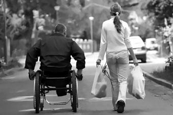 Соцработники призваны стать важнейшим звеном в помощи социально уязвимым категориям граждан.