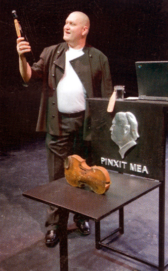 Продюсер, актер и режиссер из Эстонии Эрвин Оунапуу показал свой моноспектакль.