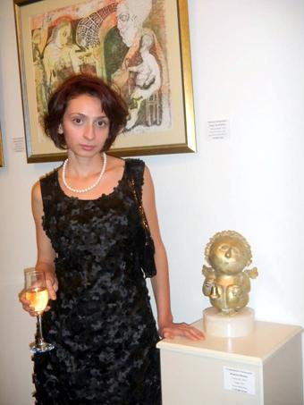 доброта исходит и от скульптур Маргариты Матулян, хрупкой девушки.