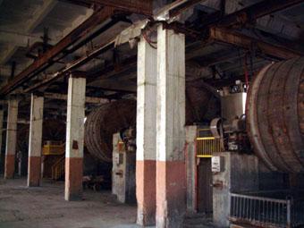 А много ли сейчас в Армении заводов, которые реально готовы к производству, с полным набором высококлассного оборудования, возможностью обеспечить несколько сот рабочих мест и многомиллионные поступления в госбюджет?