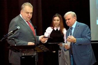 Ректор Педуниверситета Рубен Мирзаханян подчеркнул важность подобных встреч в учебных заведениях.