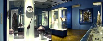 В открывшейся экспозиции представлены не только все эти упомянутые печатные книги, но и множество рукописей.