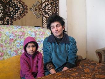 13 лет назад она также вынуждена была продать квартиру, чтобы выручить деньги на лечение мужа