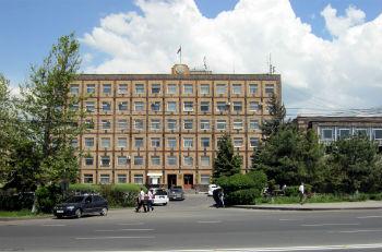 Здание райкома в Норкском массиве.