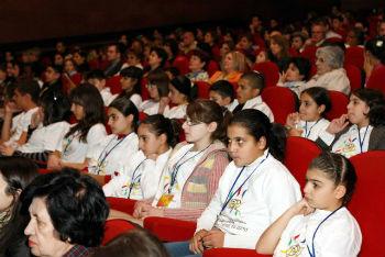 113 фильмов из 34 стран – такое количество картин предстоит посмотреть на большом экране мальчикам и девочкам, вне зависимости от возраста, социального статуса, места проживания и даже успехов в школе и внеклассной жизни.