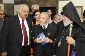 Слева направо: Акоп Авагян, Ованес Чилинкирян, Гарегин II.
