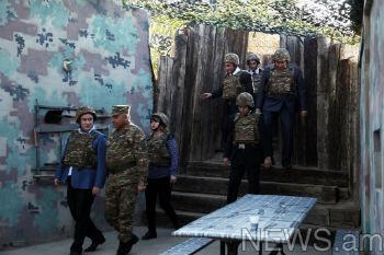 Гости облачились после лекции в защитную амуницию, прошлись по постам.