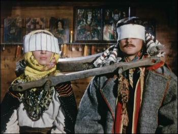 """Кадр из фильма """"Тени забытых предков""""."""