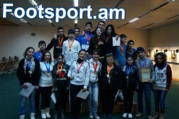 Участники чемпионата Армении по стрельбе.