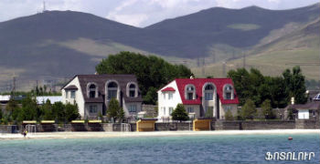 Пансионаты и гостиницы на Севане.