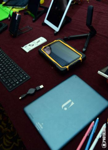 С помощью таких гаджетов, как armtech, а также при поддержке Армянского глобального конгресса высоких технологий, ежегодно проходящего в США, правительство Армении намерено создать в стране IT-индустрию мирового уровня.