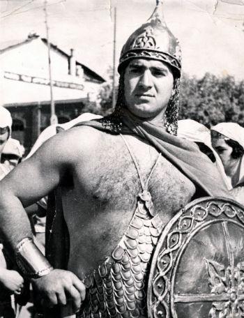 Серго Амбарцумян успел сыграть в 1939 году роль Давида Сасунского к 1000-летию армянского эпоса.