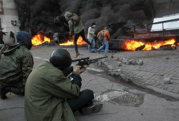 В ближайшее время может, конечно, произойти самое страшное – широкомасштабная гражданская война, противостояние между различными центрами силы, которые в Украине уже  формируются