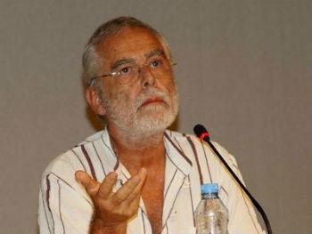 Турецкий публицист и писатель Баскын Оран