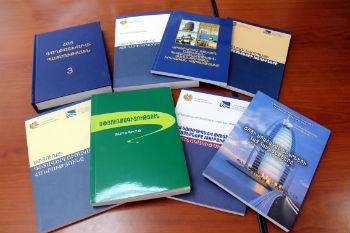 С нынешнего года осуществление программы сбора и оправки книг полностью перешло в функции Министерства диаспоры.