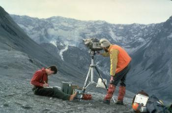 История геологии не сводится только к жизнеописаниям ученых, а подразумевает всесторонний анализ научного наследия специалистов, изучавших Армянское нагорье