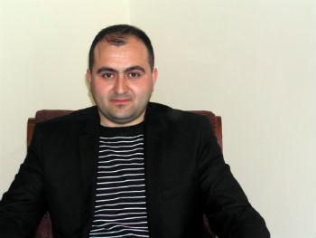 Сотрудник кафедры иранистики ЕГУ, кандидат исторических наук Рудольф Яралян