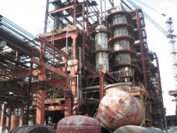"""Следующий кластер - развитие химической промышленности. Завод """"Наирит"""" - одна из главных ценностей Армении. Всего четыре страны в мире могут выпускать такой каучук."""