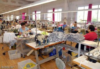 В промышленности рабочие места будут характеризоваться производительностью и зарплатой выше средних по стране.