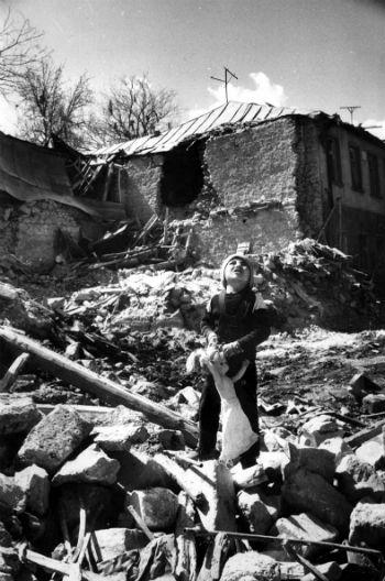 Вспомним Марагу, вспомним азербайджанский ОМОН, набранный из уголовников, вспомним аэропорт в Ходжалу, вспомним, как издевались над людьми, в итоге добившись того, что за ружье брались и те, кто и курицы-то не мог до этого зарезать.