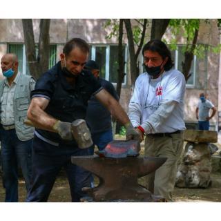 15 июня на территории образовательного комплекса 'Мхитар Себастаци' в Ереване стартовал фестиваль скульптуры под названием 'Сасналандж, или Мгери Дур'