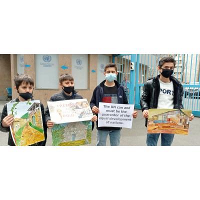 Акция протеста жителей оккупированных районов Арцаха у здания офиса ООН в Ереване