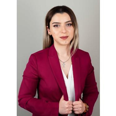 Юрист Элина МАРИНОСЯН