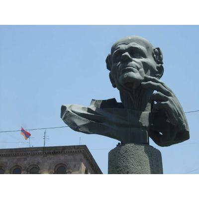 Первый памятник Сахарову на территории бывшего СССР открылся в 2001 году в Ереване на площади имени Сахарова