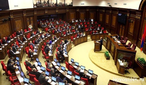 Парламент Армении принял во втором чтении проект поправок в Избирательный кодекс