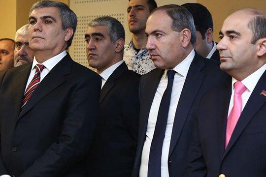 «Грапарак»: Лидеры блока «Елк» питают друг к другу «неприязнь»