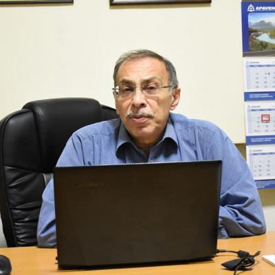 Международный арбитр ФИДЕ, член правления Федерации шахмат Армении Ашот Вардапетян считает, что решение правительства о слиянии Дома шахмат и Олимпийской ДЮСШ шахмат принято без учета ряда важных факторов