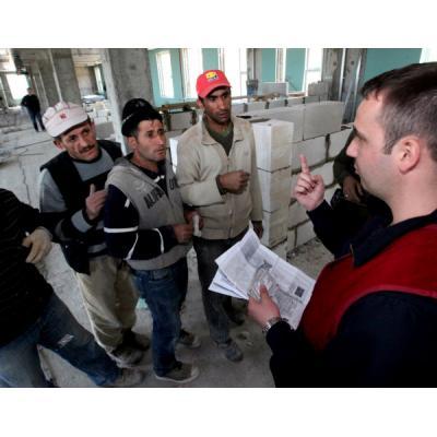 Насколько комфортно чувствует себя на территории интеграционного союза трудовой мигрант?
