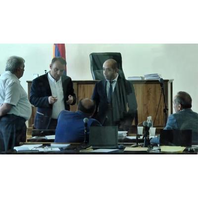 Третье по счету судебное заседание по вопросу меры пресечения Роберту Кочаряну