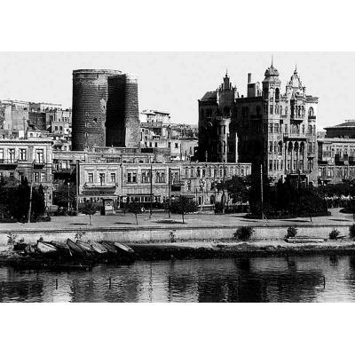 Один из красивейших домов Баку, возведенный по проекту Мисака Тер-Григоряна в 1912 году на Набережной Александра II