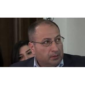 Адвокат Айк Алумян