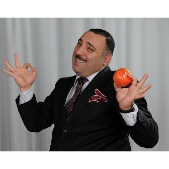 Бахрам Багирзаде – телеведущий, актёр, спортсмен и многолетний член команды КВН 'Парни из Баку'