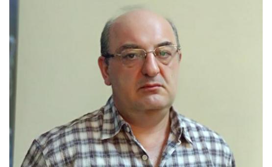Левон Тер-Петросян тщетно пытается поддержать Никола Пашиняна