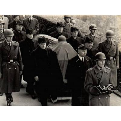 Похороны фон Хольтица